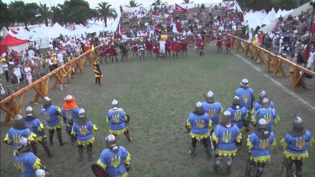 Grand melee, 20 men on a side, at the 2014 Battle of Nations
